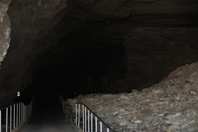 Cathedral Cavern State Park 1-2011 014 [640x480]