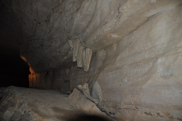 Cathedral Cavern State Park 1-2011 022 [640x480]
