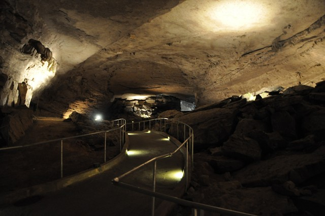 Cathedral Cavern State Park 1-2011 024 [640x480]