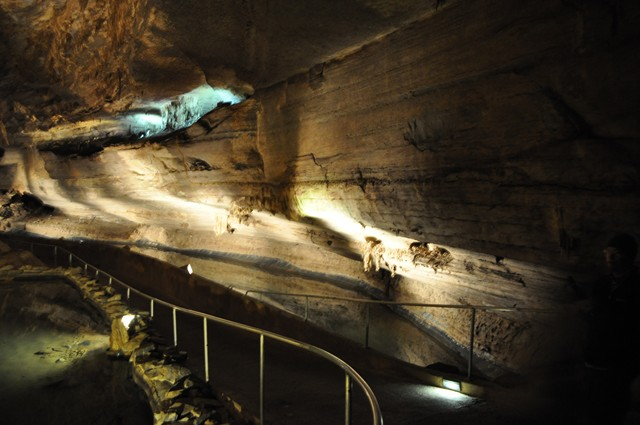Cathedral Cavern State Park 1-2011 031 [640x480]