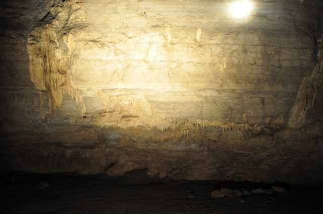 Cathedral Cavern State Park 1-2011 036 [640x480]