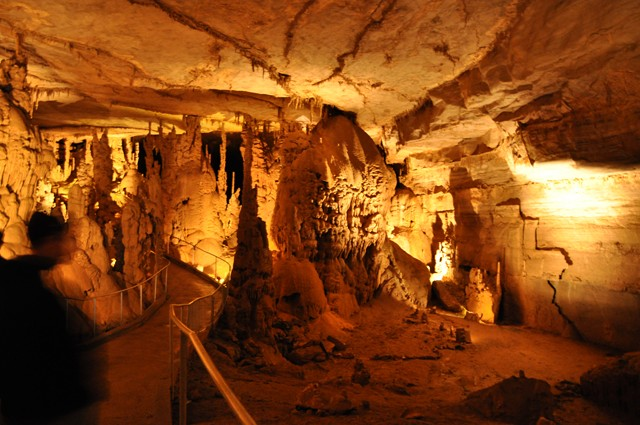 Cathedral Cavern State Park 1-2011 059 [640x480]