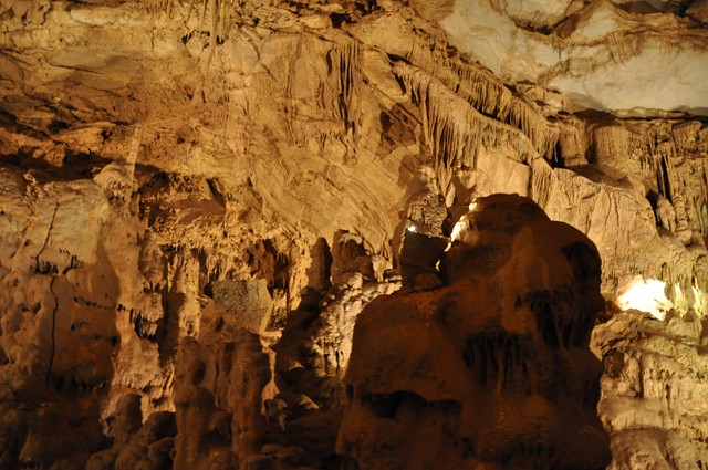 Cathedral Cavern State Park 1-2011 082 [640x480]