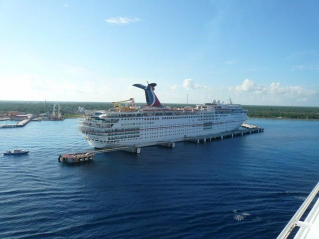 Cruise 2010 Cheryl's Camera 188 [800x600]