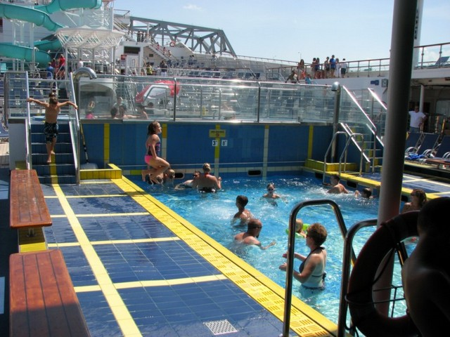 Cruise 2010 Steve's Camera 019 [800x600]