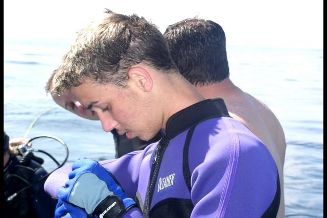 Pete Tide Check Out Dive 45