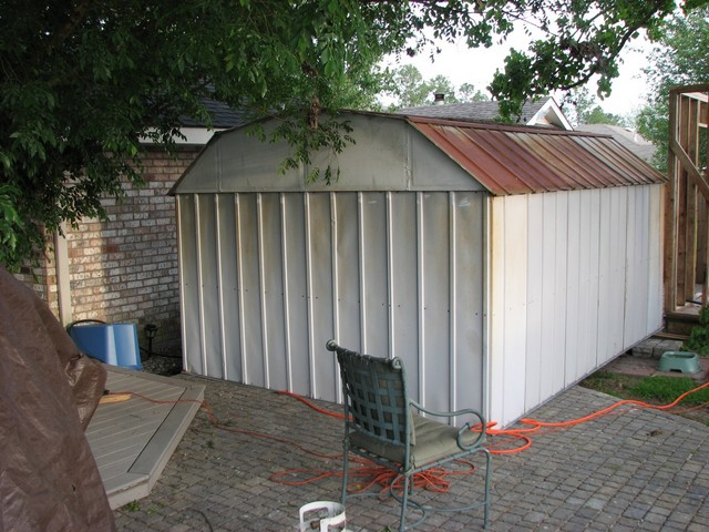 Shed 002