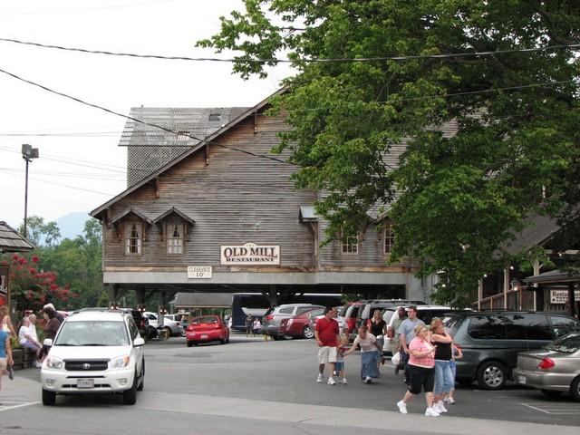 The Apple Barn 04