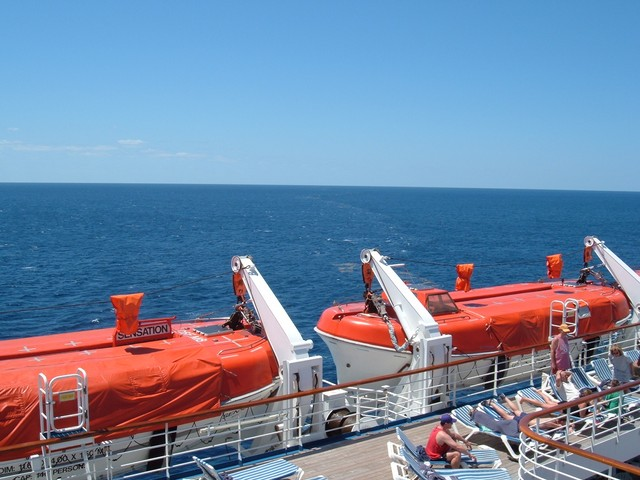 cruise 4-2005 on board 047