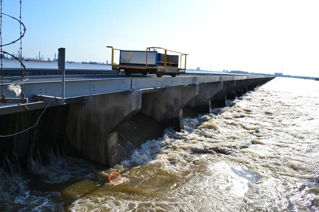 Bonnet-Carre-Spillway-5-18-2011-25